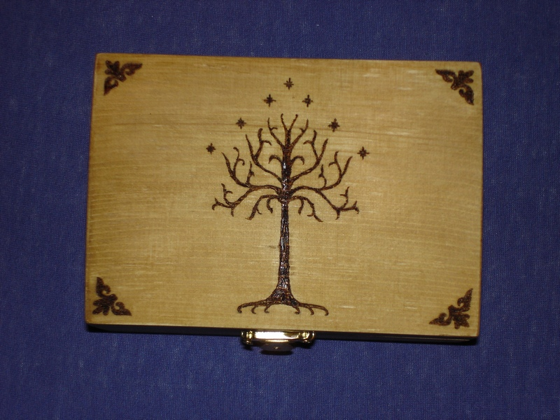 'Lord of the Rings'-inspired jewelry box